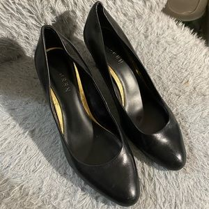 Ralph Laurent black genuine leather pumps